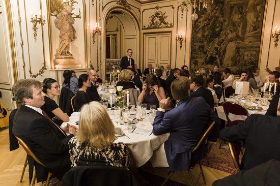 Danish Justice Foundation afholdt sin første charitymiddag. Det foregik på den franske ambassade d. 14. april i år.